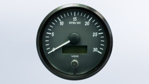 SingleViu  100mm J1939 3000RPM tachometer.  Retail pack with harness