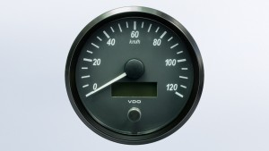 SingleViu  100mm 120km/h speedometer. Retail pack with harness