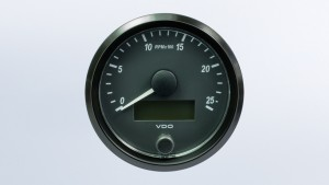 SingleViu  80mm 2500RPM tachometer.  Retail pack with harness
