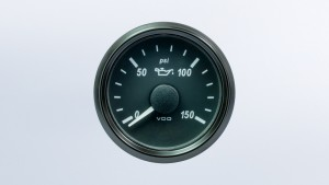 SingleViu  52mm J1939 150psi oil pressure gauge. Retail pack with harness