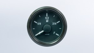 SingleViu 2 1/16in (52mm) DEF level gauge.  Accepts both J1939 or 0-5V signal input.